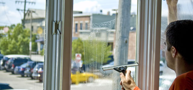 QUICK AND EASY WINDOW CLEANING STEPS FOR HOME IMPROVEMENT