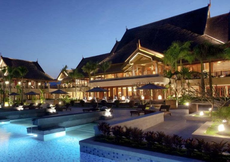 Stunning_Exterior_Lighting_for_hotels__resorts_and_bed___breakfasts